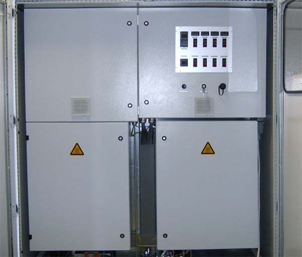 Vaporizer system for DEZ- and water vapour– overall view. System for the simultaneous supply of 2 processes.