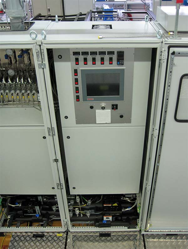Vaporizer system for DEZ and water – overall view. System for the simultaneous supply of 3 processes.